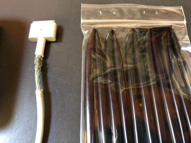 充電ケーブル感電